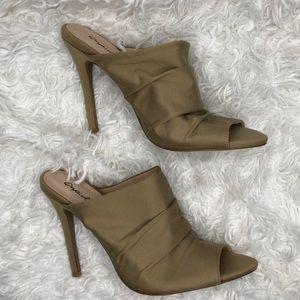 Qupid open toe heels size 8